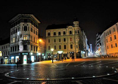 Preseren Square at night